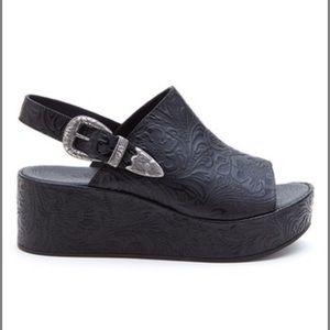 Matisse Bonaroo western buckle platform sandal